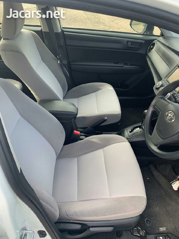 Toyota Axio 2,0L 2015-6