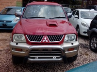 Mitsubishi L200 2,0L 2006