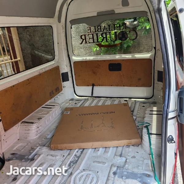 2014 Toyota Hiace Bus-8