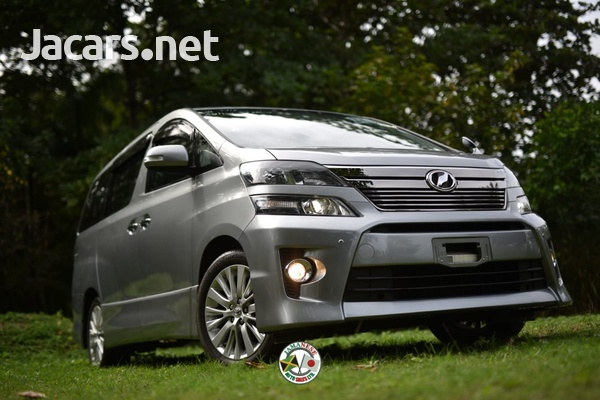 Toyota Vellfire 2,0L 2014-1