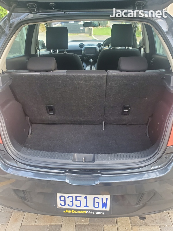 Mazda Demio 1,3L 2011-6