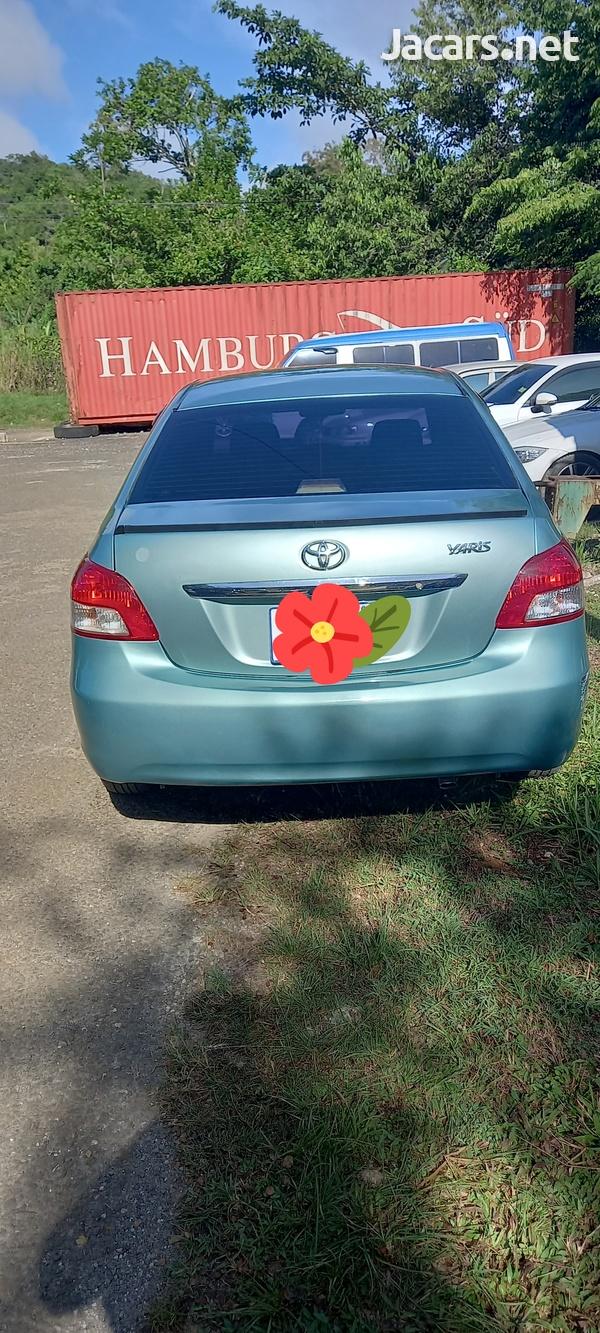 Toyota Yaris 1,5L 2010-4
