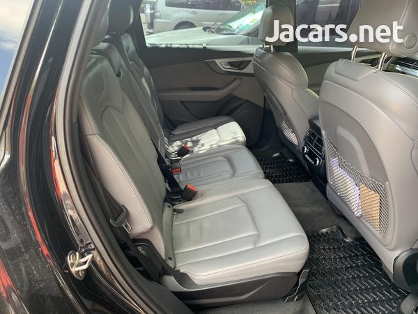 Audi Q7 3,0L 2016-6