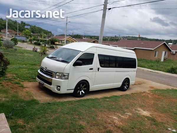 Toyota Hiace 2,7L 2013-8