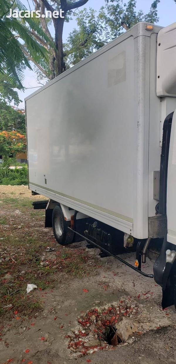Isuzu Box Body Truck 5,0L 2011-12