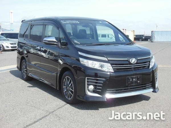 Toyota Voxy 2,0L 2016-2