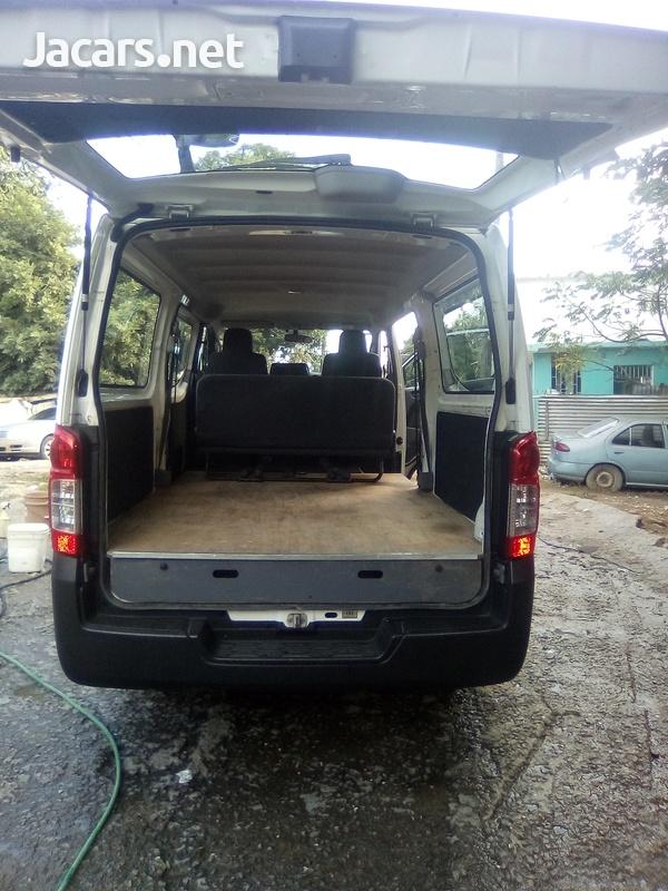 Nissan Caravan 2,0L 2014-7