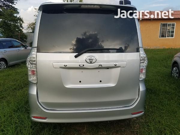 2012 Toyota voxy-8
