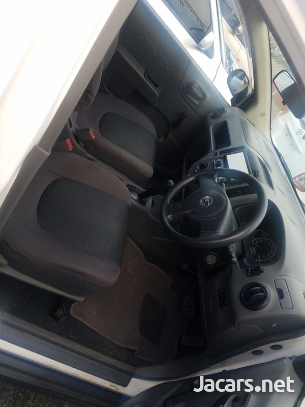Nissan AD Wagon 1,5L 2012-8