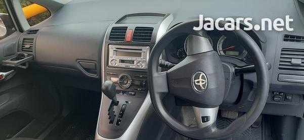 Toyota AURIS 1,6L 2010-1