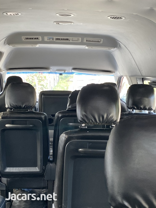 2017 Toyota Hiace Bus-8