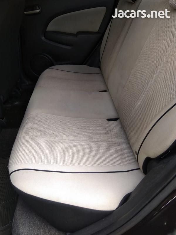 Mazda Demio 1,5L 2010-8