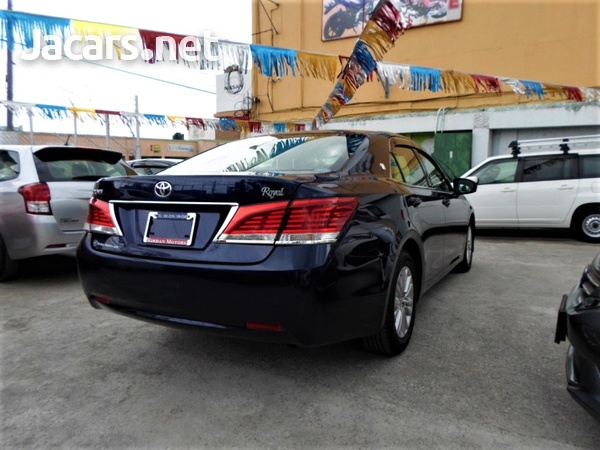 Toyota Crown 2,5L 2015-4