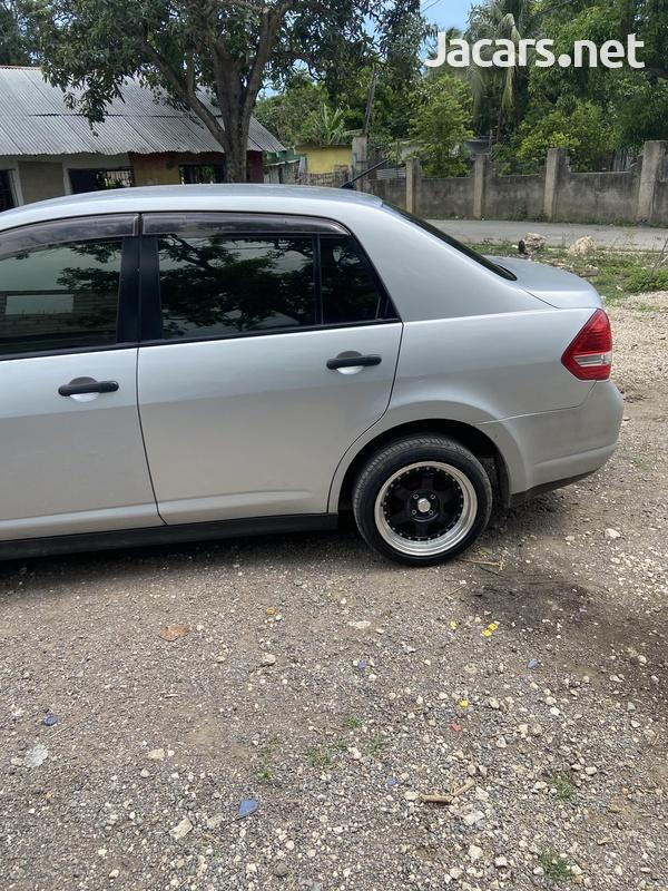 Nissan Tiida 1,3L 2012-8
