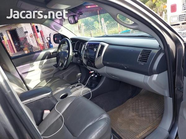 Toyota Tacoma 2,7L 2012-4