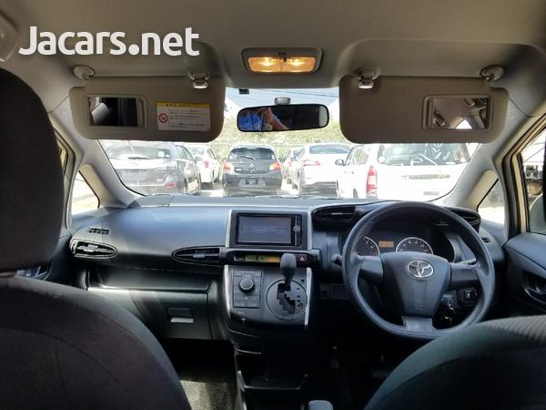 Toyota Wish 2,0L 2013-8