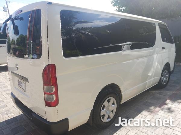 Toyota Hiace Bus 2,2L 2017-6