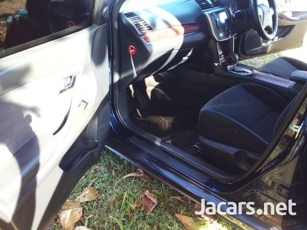 Toyota Allion 1,8L 2013-12