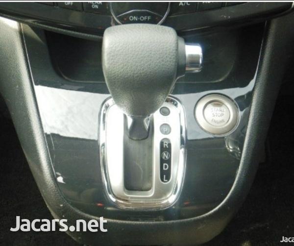 Nissan Serena 2,0L 2013-6