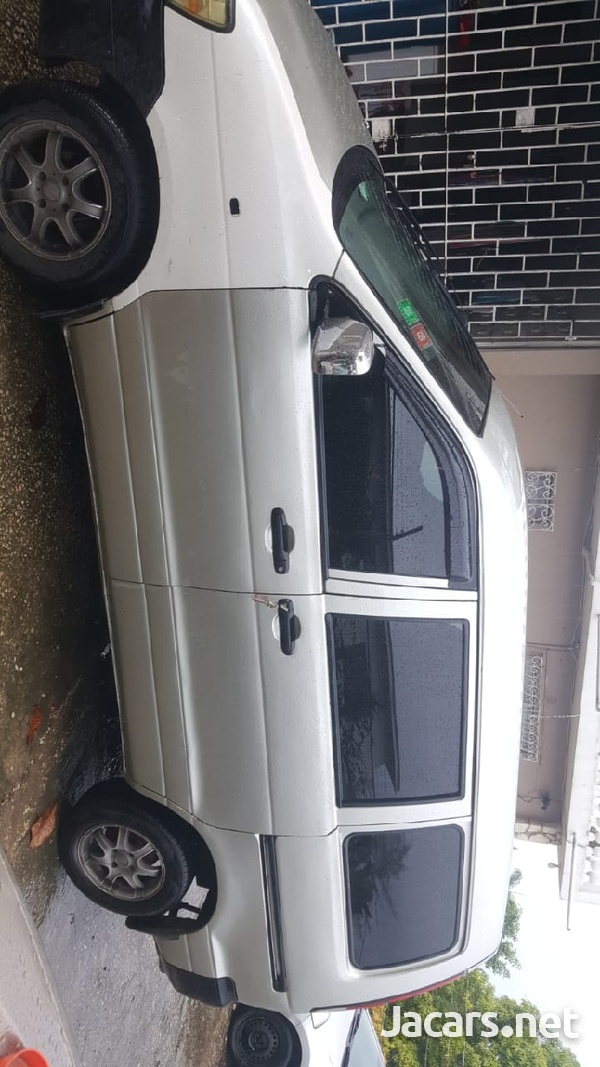 2001 Toyota noah-2