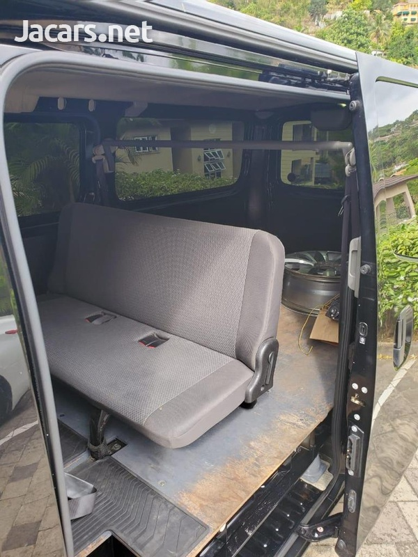 Nissan Caravan 2,0L 2014-4