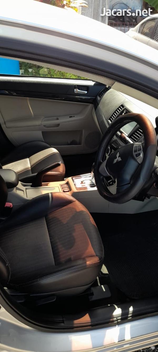 Mitsubishi Lancer 2,0L 2013-8