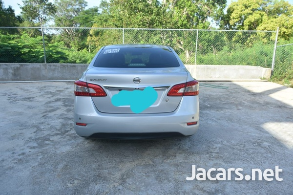 Nissan Sylphy 1,8L 2013-1
