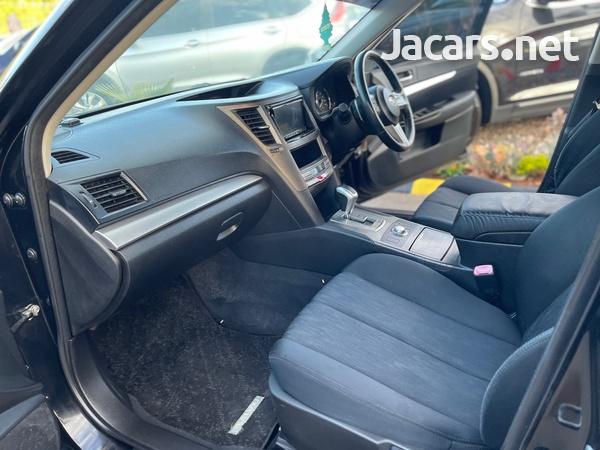 Subaru Legacy 2,5L 2011-5