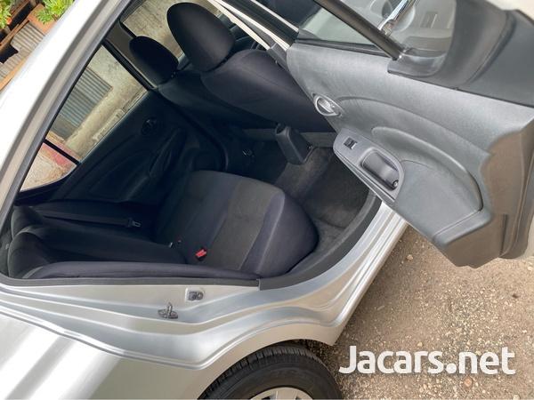 Nissan Latio 1,2L 2014-5