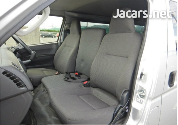 2017 Toyota Hiace Bus-5