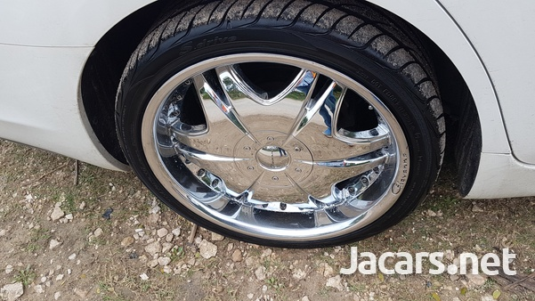 Yokohama 285 30 20 Tyre