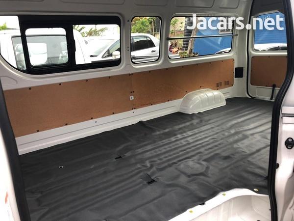 Toyota Hiace Bus 2015-2