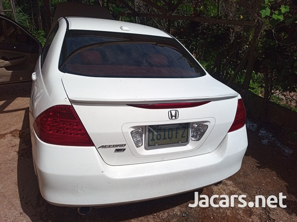 Honda Accord 3,0L 2006-3