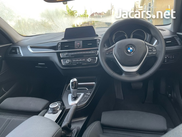 BMW 1-Series 1,5L 2019-1