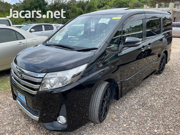 Toyota Noah 2,0L 2014-1