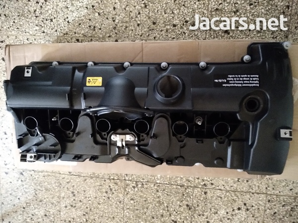 BMW N52 valve cover with gaskets NEW-1