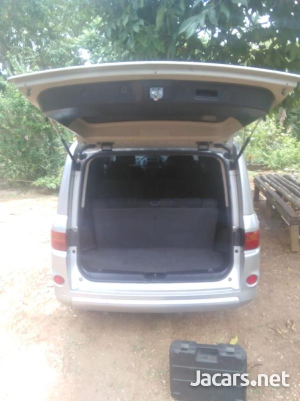 Nissan LaFesta 2,0L 2008-6