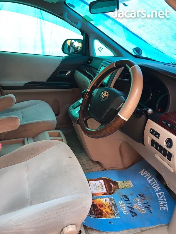 Toyota Alphard 2,0L 2011-9