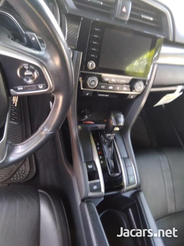 Honda Civic 2,0L 2019-5