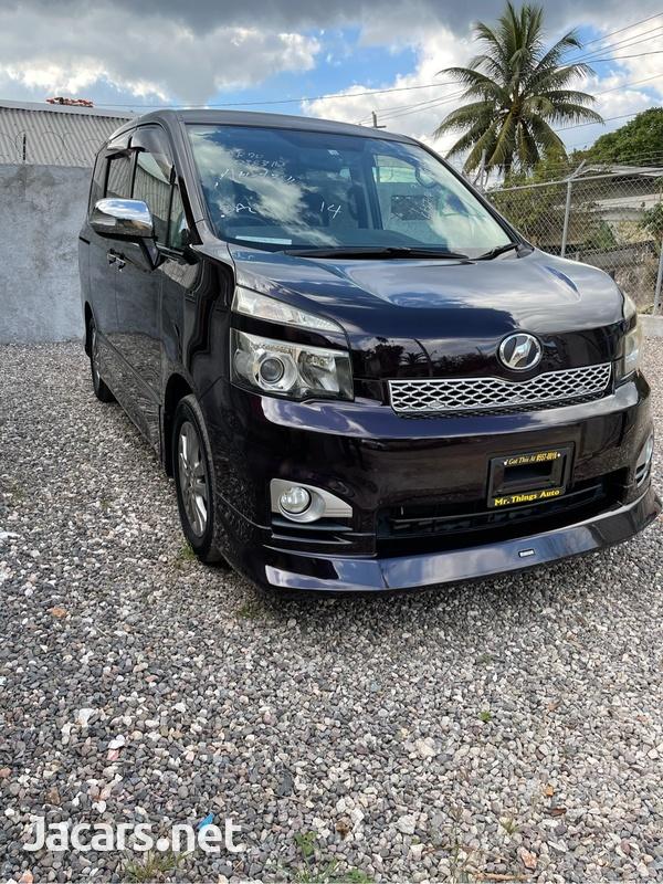Toyota Voxy 1,2L 2011-3