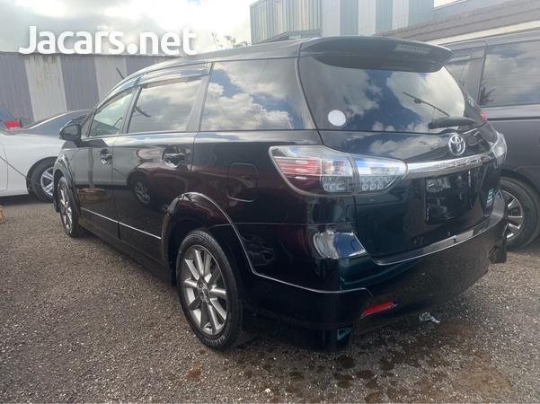 Toyota Wish 2,0L 2013-4