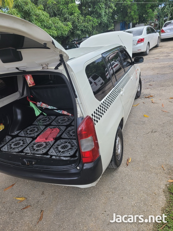 Toyota Probox 1,5L 2010-5