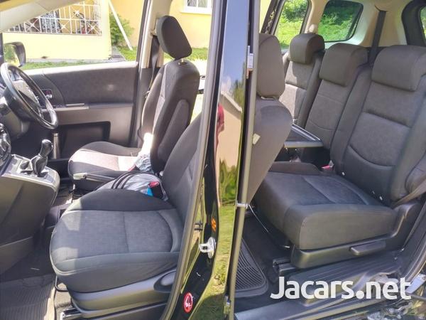 Mazda Premacy 2,0L 2009-6