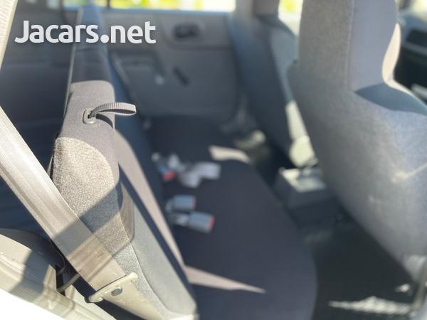 Nissan AD Wagon 1,5L 2016-9