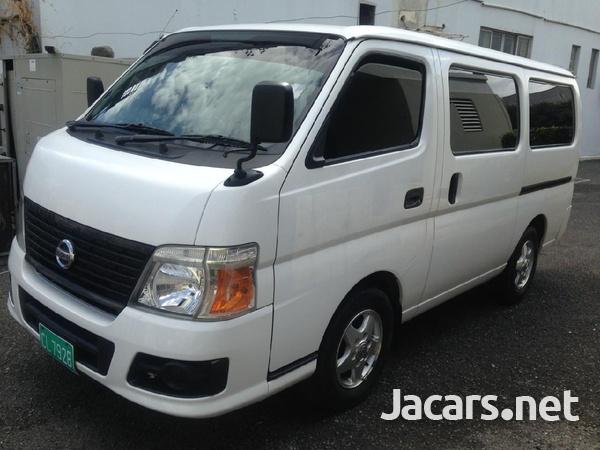 Nissan Caravan-3