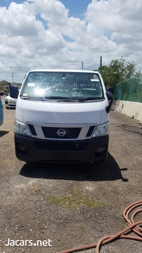 Nissan Caravan 2,0L 2013-7