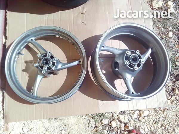 2011 to 2018 Suzuki GSXR 600 750 Front and rear wheels