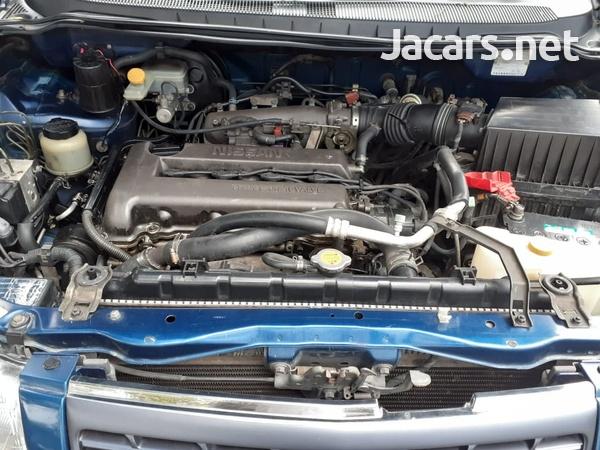Nissan Liberty 2,0L 2000-6