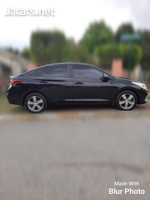 Hyundai Accent 1,6L 2019-4