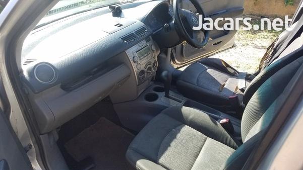 Mazda Demio 1,3L 2006-5